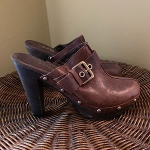 Report Shoes - Report Wooden Clogs